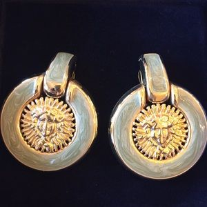 Vintage medusa face earrings